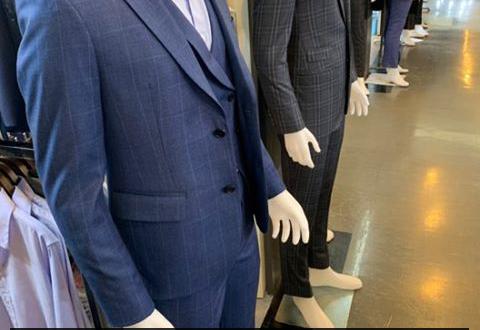 รับสมัครพนักงานประจำร้านขายเสื้อผ้าผู้ชาย
